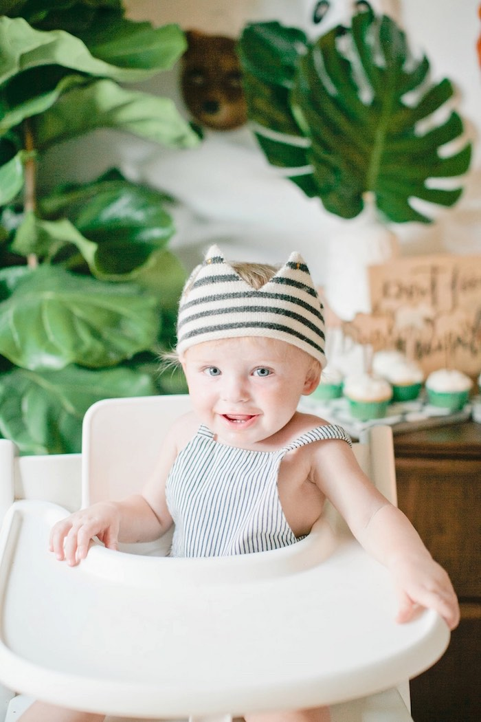 Striped crown from a Jungle 1st Birthday Party on Kara's Party Ideas | KarasPartyIdeas.com (6)