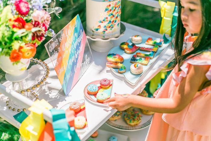 Sweet tablescape from an Over the Rainbow Birthday Party on Kara's Party Ideas | KarasPartyIdeas.com (10)