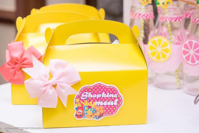 Gable lunch boxes from a Shopkins Birthday Party on Kara's Party Ideas | KarasPartyIdeas.com (25)