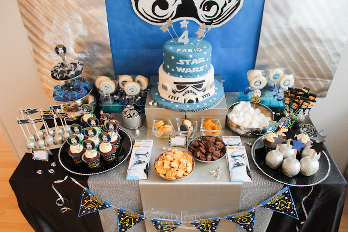 Sweet tabletop from a Star Wars Birthday Party on Kara's Party Ideas | KarasPartyIdeas.com (27)