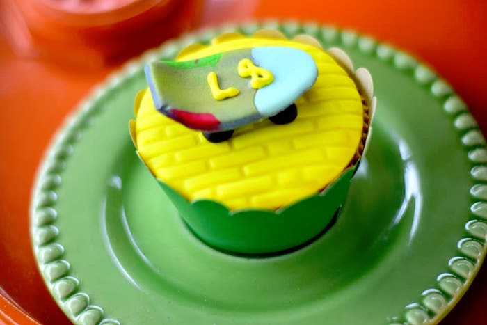 Skateboard cupcakes from an Urban Graffiti Skateboard Birthday Party on Kara's Party Ideas | KarasPartyIdeas.com (20)