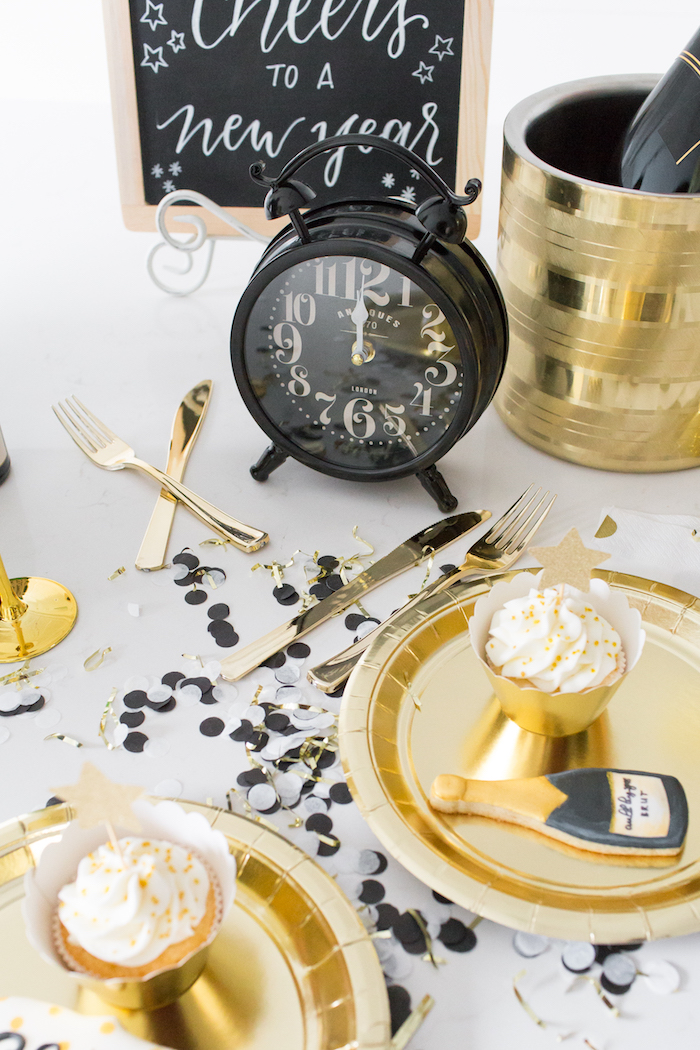 New Years Party Table + Place Settings from a NYE Cookies & Bubbly Party on Kara's Party Ideas | KarasPartyIdeas.com (8)