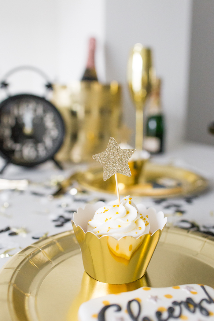 Sparkling Star Cupcake from a NYE Cookies & Bubbly Party on Kara's Party Ideas | KarasPartyIdeas.com (7)