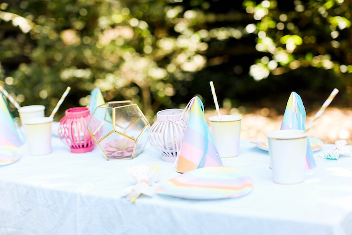 Guest tablescape from an Outdoor Ice Cream Bar Party on Kara's Party Ideas | KarasPartyIdeas.com (21)