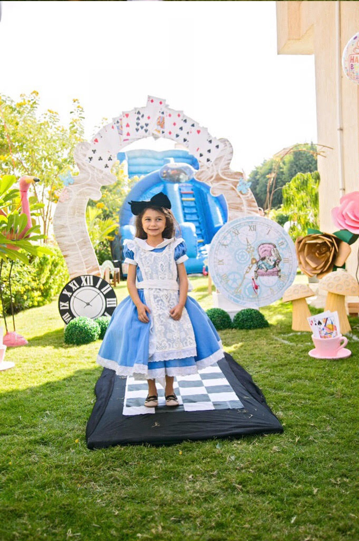 Entrance/arch from an Alice in Wonderland Birthday Party on Kara's Party Ideas | KarasPartyIdeas.com (3)