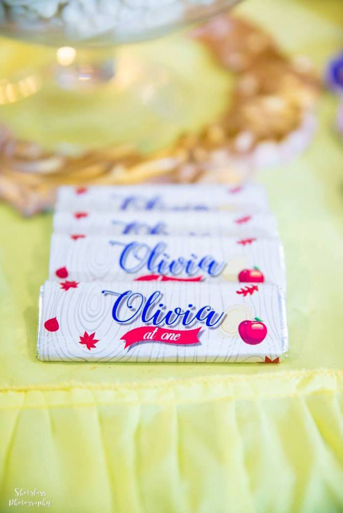 Custom Snow White-inspired candy bar labels from a Snow White Enchanted Forest Birthday Party on Kara's Party Ideas | KarasPartyIdeas.com (19)