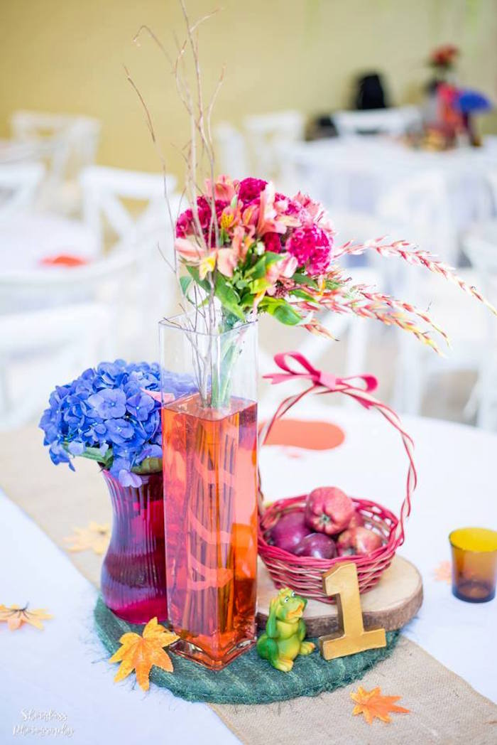 Snow White guest table centerpiece from a Snow White Enchanted Forest Birthday Party on Kara's Party Ideas   KarasPartyIdeas.com (24)
