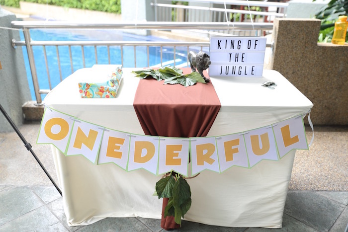 """""""Onederful"""" Party Table from a """"King of the Jungle"""" Birthday Party on Kara's Party Ideas 