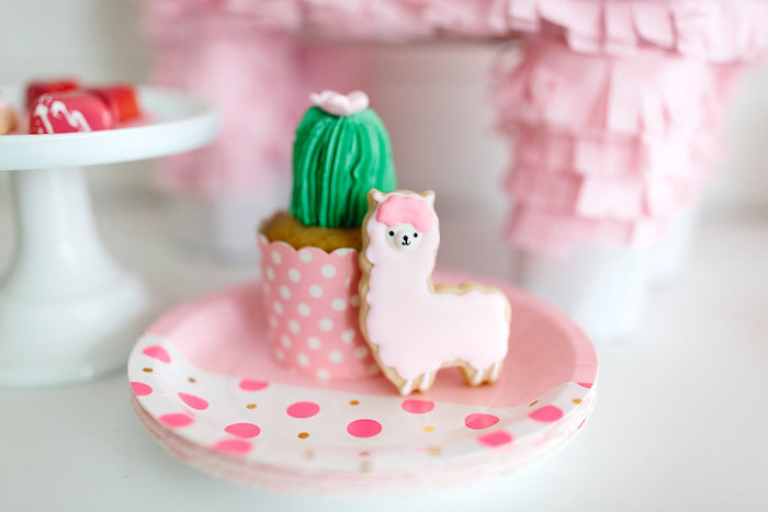 "Llama cookie from a ""Llama be my Valentine"" Party on Kara's Party Ideas 
