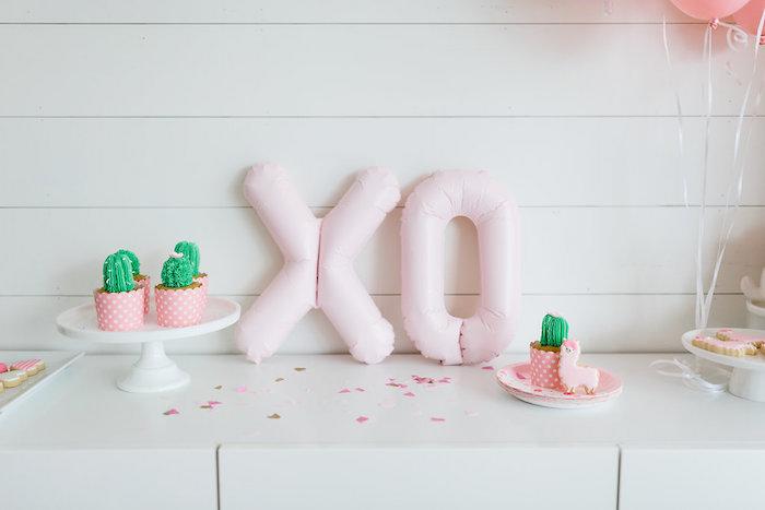 "XO balloon signage from a ""Llama be my Valentine"" Party on Kara's Party Ideas | KarasPartyIdeas.com (8)"