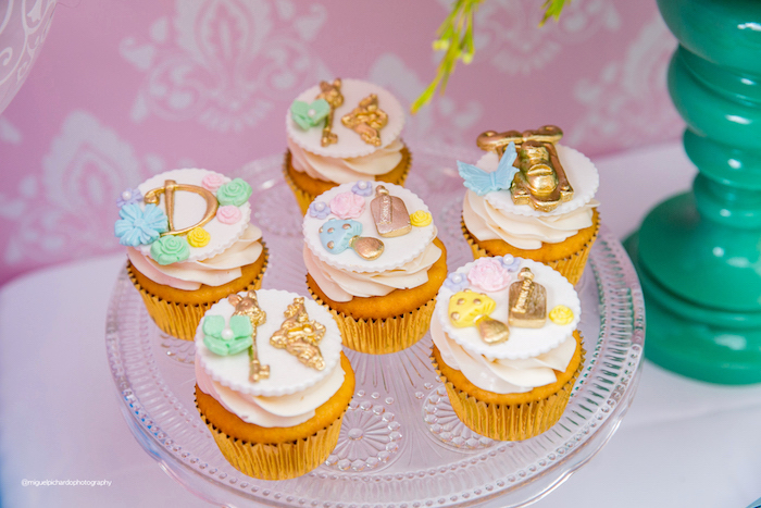 Alice in Wonderland Themed Cupcakes from an Alice in Wonderland Tea Party on Kara's Party Ideas | KarasPartyIdeas.com (9)