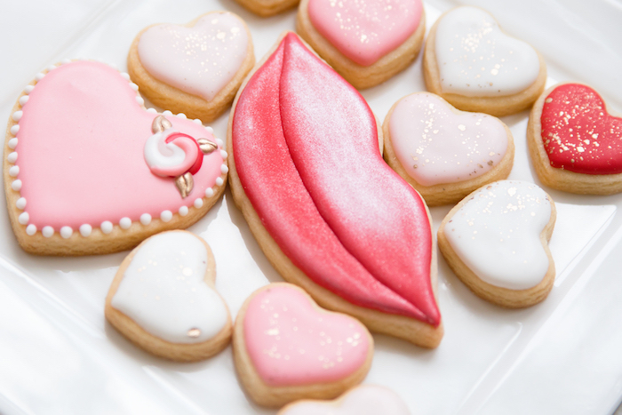 Kara\'s Party Ideas Valentine\'s Day Cookies from an Elegant ...