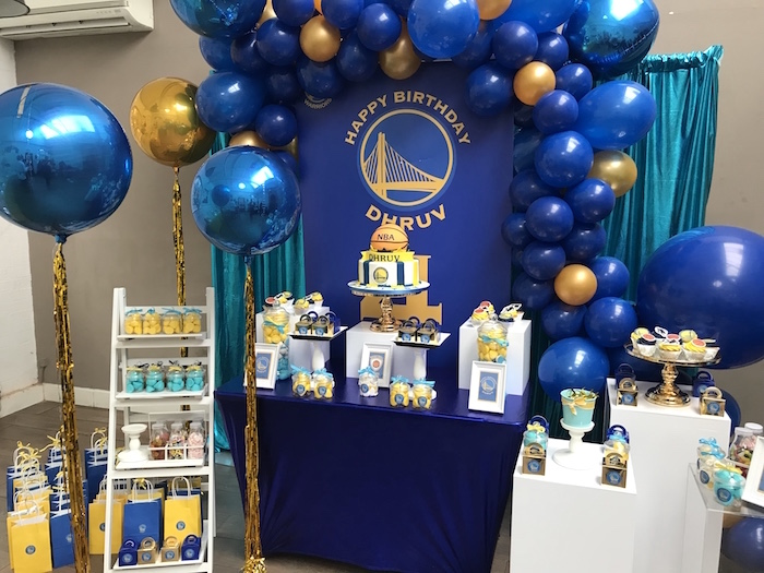 Golden State Warriors Basketball Court Birthday Cake