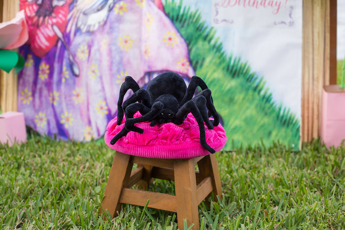 Tuffet from a Little Miss Muffet Birthday Party on Kara's Party Ideas | KarasPartyIdeas.com (5)