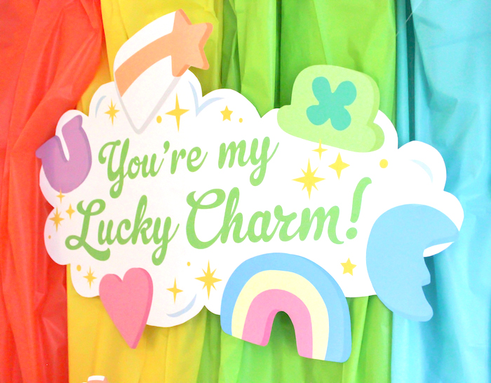 "Lucky Charm Table Backdrop from a ""You're My Lucky Charm"" St. Patrick's Day Party on Kara's Party Ideas 