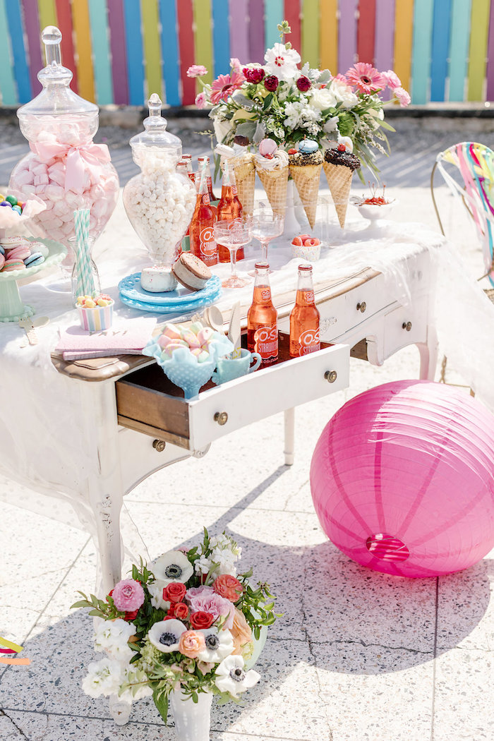 60's Mod Inspired Ice Cream Bridal Shower on Kara's Party Ideas | KarasPartyIdeas.com (18)