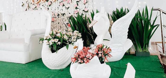 Elegant Swan Soiree on Kara's Party Ideas | KarasPartyIdeas.com (4)