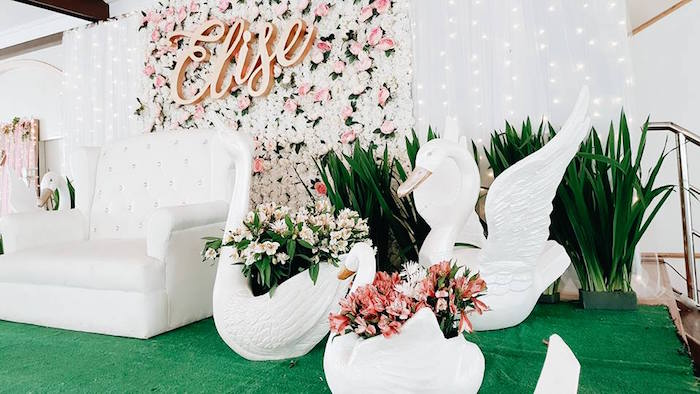 Swan Blooms from an Elegant Swan Soiree on Kara's Party Ideas | KarasPartyIdeas.com (22)