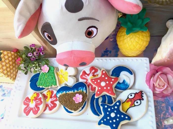 Moana Themed Sugar Cookies from a Moana Birthday Party on Kara's Party Ideas   KarasPartyIdeas.com (7)