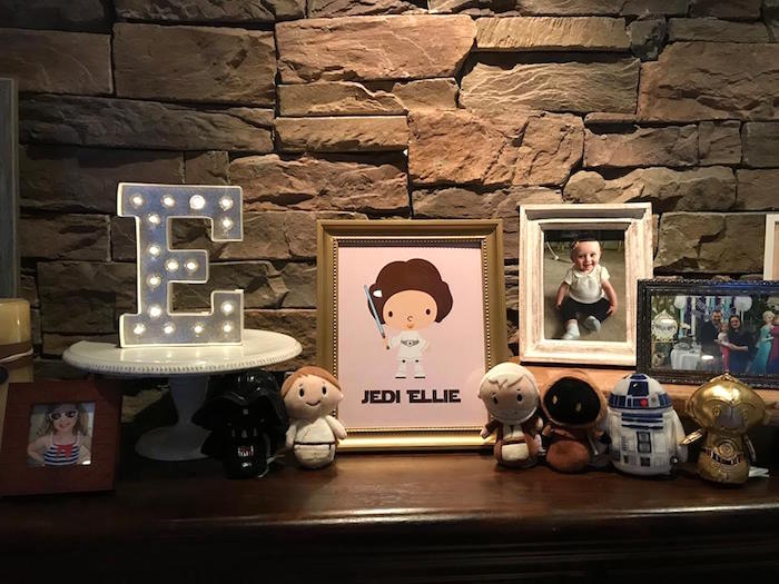 Leia Highlight Table from a Star Wars Birthday Party on Kara's Party Ideas | KarasPartyIdeas.com (14)