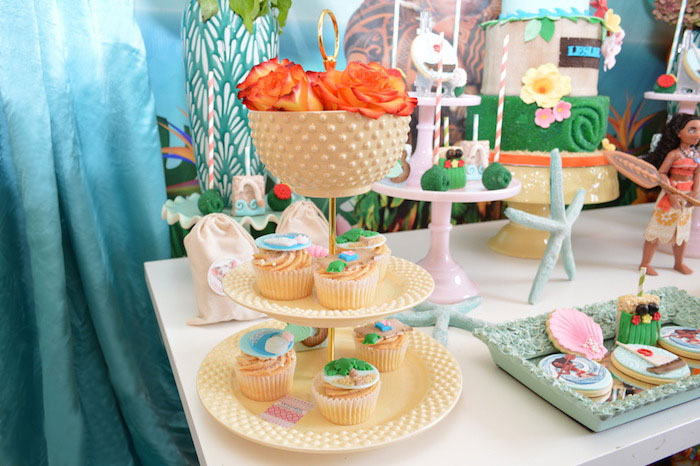 Tropical Flower Cupcake Pedestal from a Chic Moana Birthday Party on Kara's Party Ideas | KarasPartyIdeas.com (8)