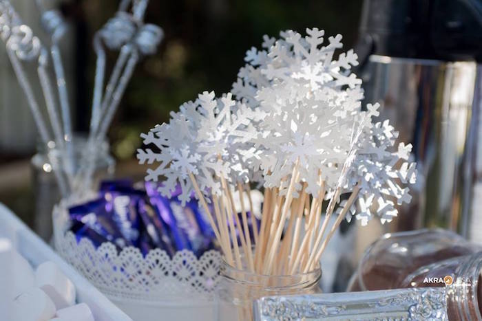 Snowflake Wands from a Frozen Birthday Party on Kara's Party Ideas | KarasPartyIdeas.com (5)