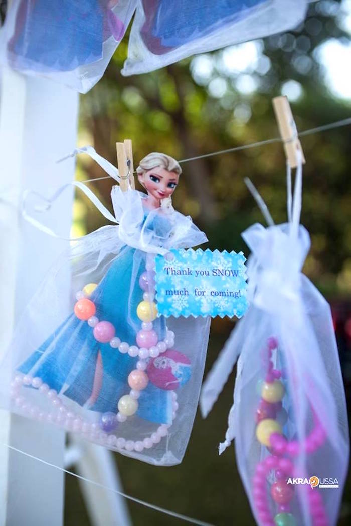 Drawstring Favor Sack from a Frozen Birthday Party on Kara's Party Ideas | KarasPartyIdeas.com (16)