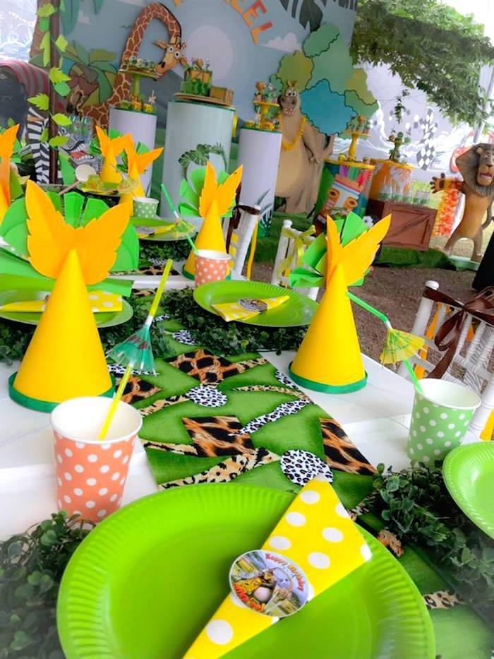 Safari Guest Table from a Madagascar Inspired Safari Party on Kara's Party Ideas | KarasPartyIdeas.com (20)
