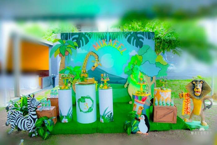 Madagascar Inspired Safari Party on Kara's Party Ideas | KarasPartyIdeas.com (17)