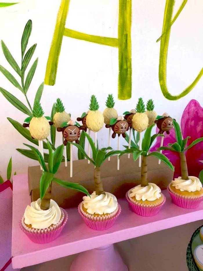 Cupcakes and Cake Pops from a Moana Birthday Party Luau on Kara's Party Ideas | KarasPartyIdeas.com (5)