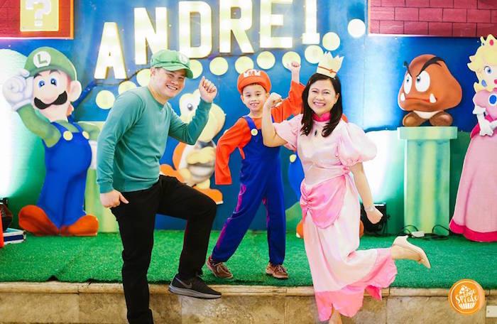 Mario Photo Booth + Backdrop from a Super Mario Birthday Party on Kara's Party Ideas | KarasPartyIdeas.com (5)