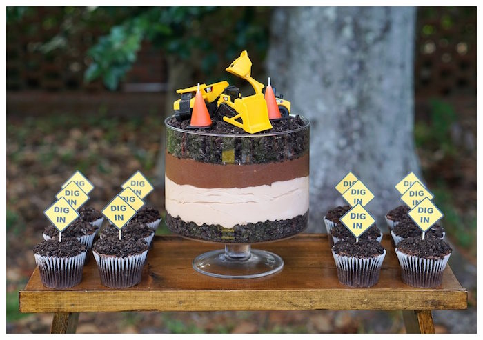 "Construction Dirt Cake + ""Dig-In"" Cupcakes from an Under Construction Birthday Party on Kara's Party Ideas 