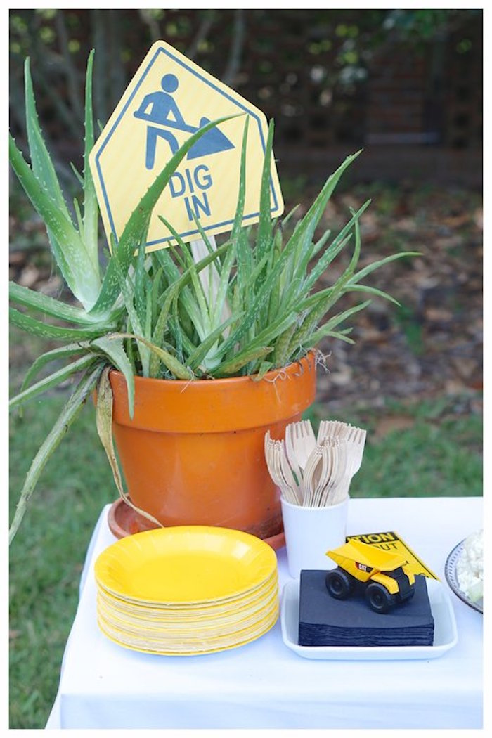 Construction Partyware + Table from an Under Construction Birthday Party on Kara's Party Ideas | KarasPartyIdeas.com (22)