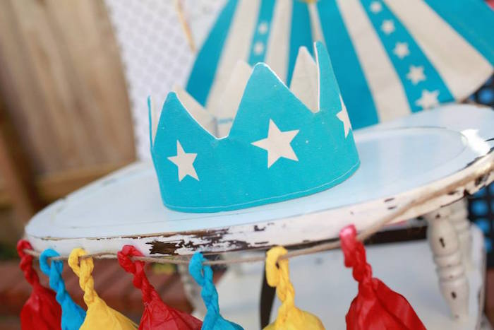 Felt Star Crown from a Vintage Comic Book Superhero Party on Kara's Party Ideas | KarasPartyIdeas.com (10)
