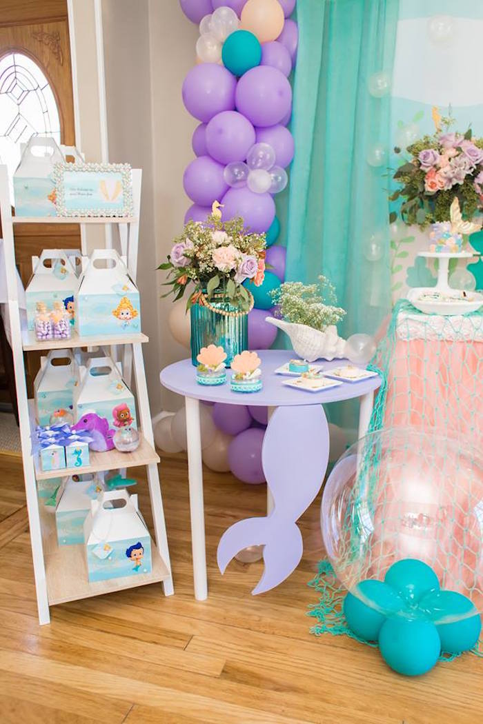 Party Tables + Decor from a Bubble Guppies Birthday Party on Kara's Party Ideas | KarasPartyIdeas.com (16)