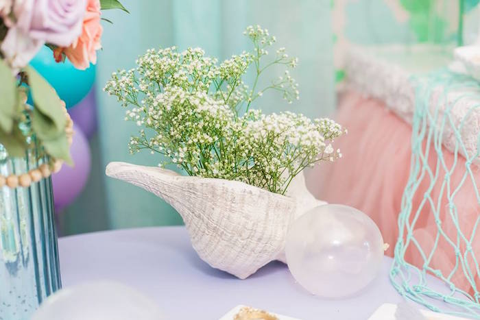Sea Shell Gypsophila Bloom from a Bubble Guppies Birthday Party on Kara's Party Ideas | KarasPartyIdeas.com (13)