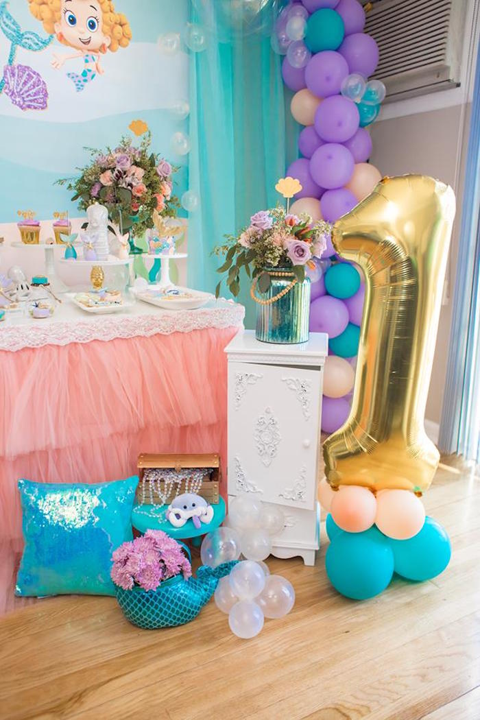 Balloon Decor from a Bubble Guppies Birthday Party on Kara's Party Ideas | KarasPartyIdeas.com (10)