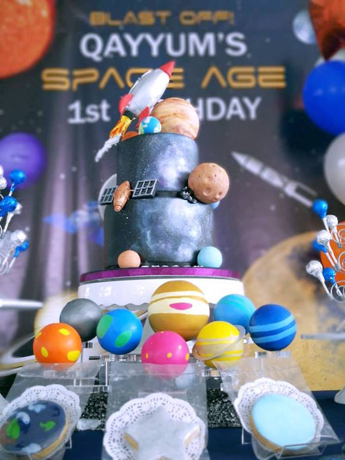 Planet Cake Pops from an Outer Space Birthday Party on Kara's Party Ideas | KarasPartyIdeas.com (14)