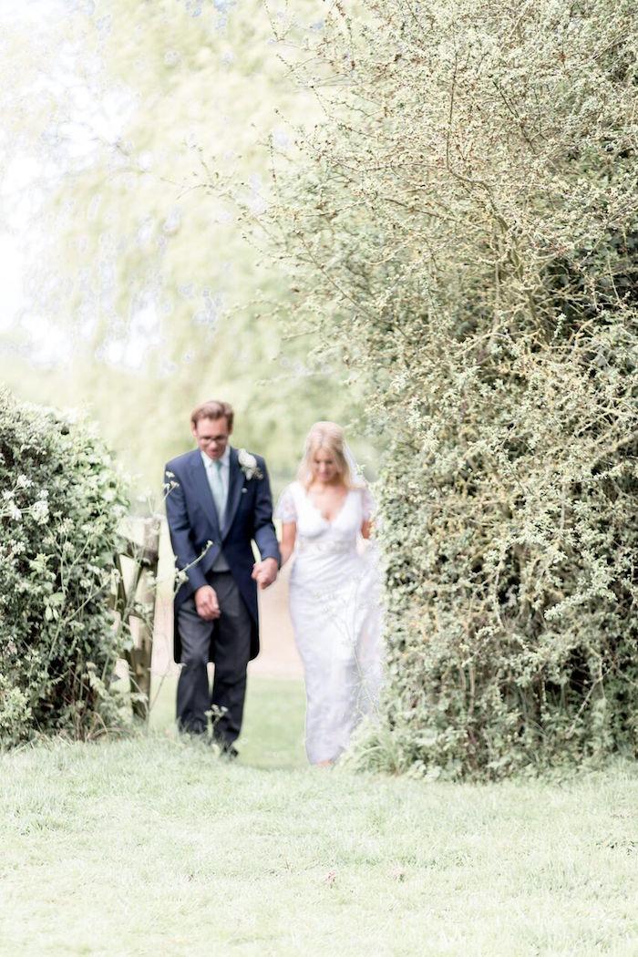 Romantic Garden Wedding on Kara's Party Ideas | KarasPartyIdeas.com (23)