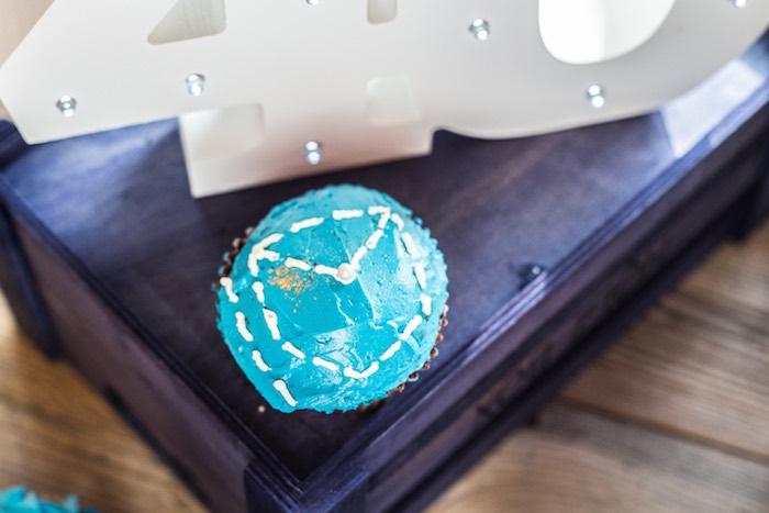 Denim Pocket Cupcake from a Rustic Denim Inspired 40th Birthday Party on Kara's Party Ideas | KarasPartyIdeas.com (15)