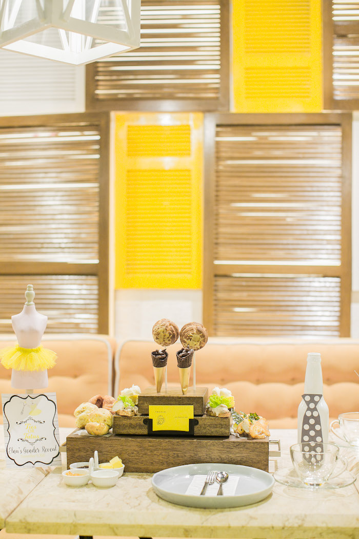 Guest Table from a Tutus or Ties? Gender Reveal Party on Kara's Part Ideas | KarasPartyIdeas.com (9)