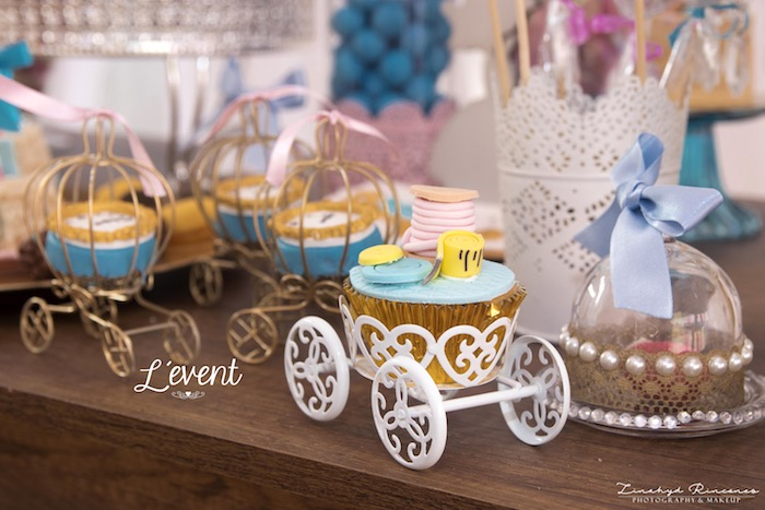 Carriage Cupcake Carrier from a Cinderella Princess Party on Kara's Party Ideas | KarasPartyIdeas.com (4)