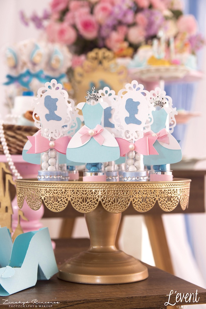 Cinderella Favor Tubes from a Cinderella Princess Party on Kara's Party Ideas | KarasPartyIdeas.com (18)