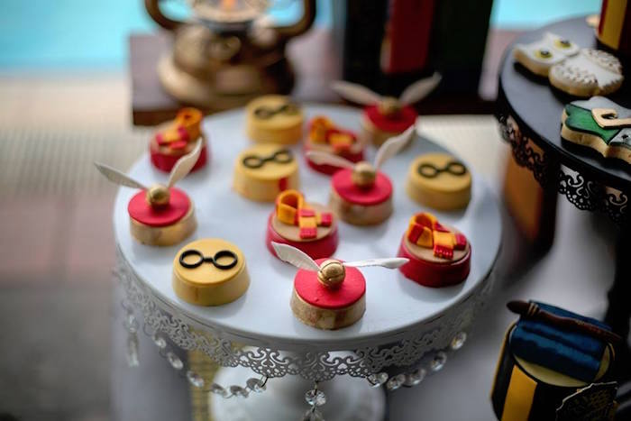 Gryffindor Themed Oreos from a Harry Potter Birthday Pool Party on Kara's Party Ideas | KarasPartyIdeas.com (18)