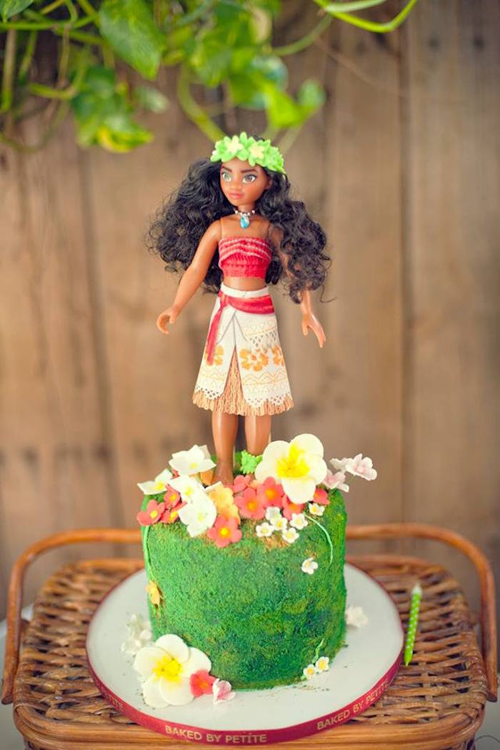 Tropical Moana Cake from a Moana Inspired Birthday Luau on Kara's Party Ideas | KarasPartyIdeas.com (7)