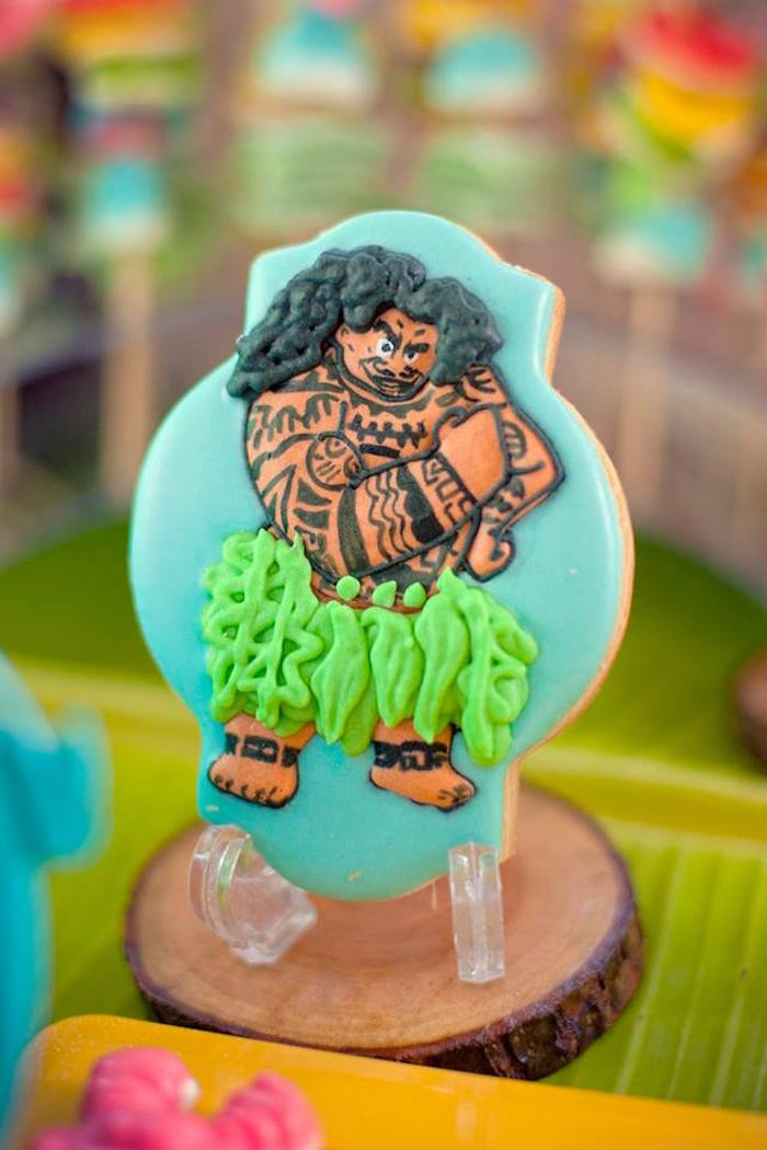 Maui Cookie from a Moana Inspired Birthday Luau on Kara's Party Ideas | KarasPartyIdeas.com (5)