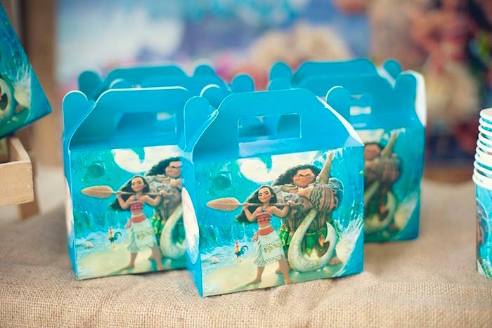 Moana-printed Gable Lunch Boxes from a Moana Inspired Birthday Luau on Kara's Party Ideas | KarasPartyIdeas.com (23)