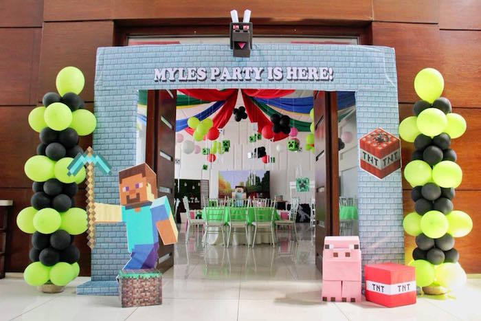 Minecraft Party Arch + Entrance from a Minecraft Birthday Party on Kara's Party Ideas | KarasPartyIdeas.com (17)