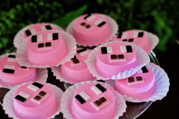 Pig Oreos from a Minecraft Birthday Party on Kara's Party Ideas | KarasPartyIdeas.com (10)