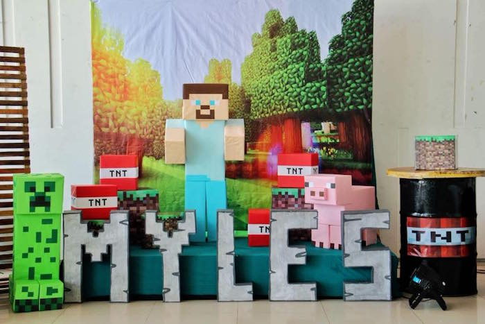 Minecraft Backdrop & Name Lettering from a Minecraft Birthday Party on Kara's Party Ideas | KarasPartyIdeas.com (8)